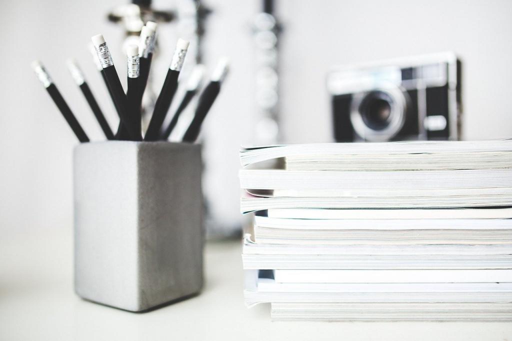 Где должны храниться медицинские книжки
